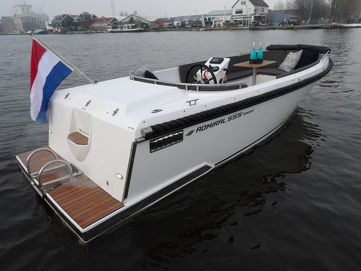 admiral_555_tender_0-2