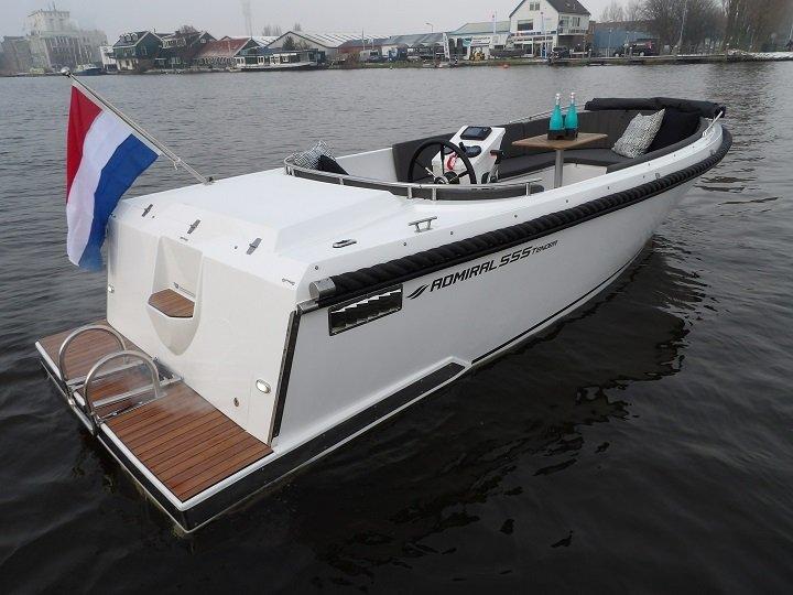 admiral_555_tender_0