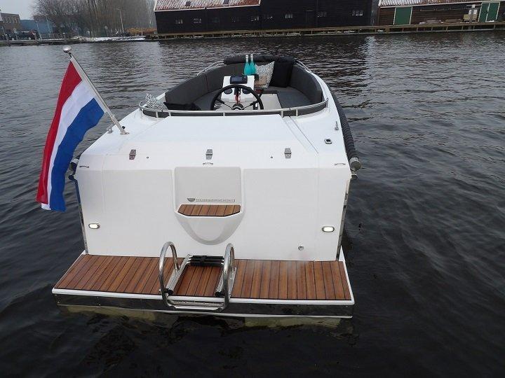 admiral_555_tender_1